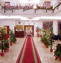 http://www.flotillacruiseline.com/GazaPics/Grand-Palace-Hotel-Gaza-2.jpg